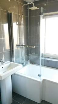 bathroom_gray-and-white_low-res6