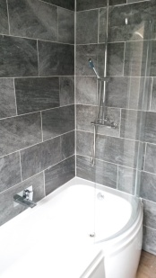 bathroom_gray-and-white_low-res8