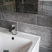 bathroom_gray-and-white_low-res9