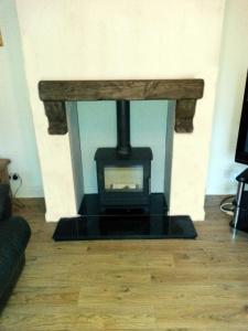 wood-burning-stove_granit-hearth_low-res4
