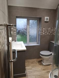 Andy and Jayne_Bathroom_Window