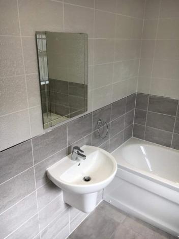 Half Tiled_Bathroom_Wash Basin